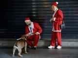 Санта-Клаусы и Деды Морозы шагают по планете