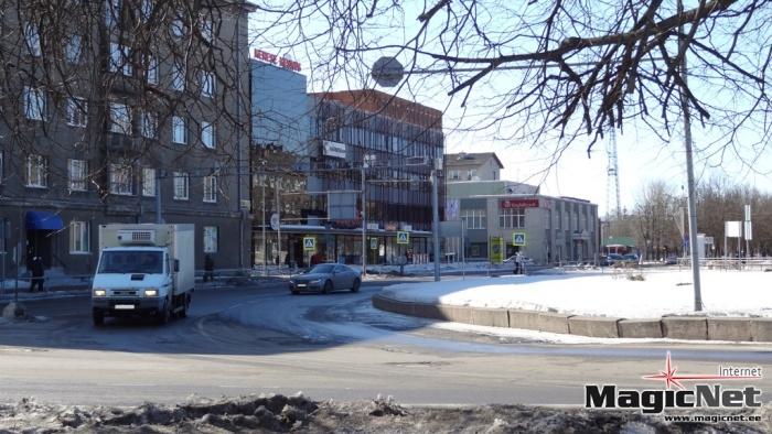 В Нарве автомобиль сбил подростка и покинул место ДТП