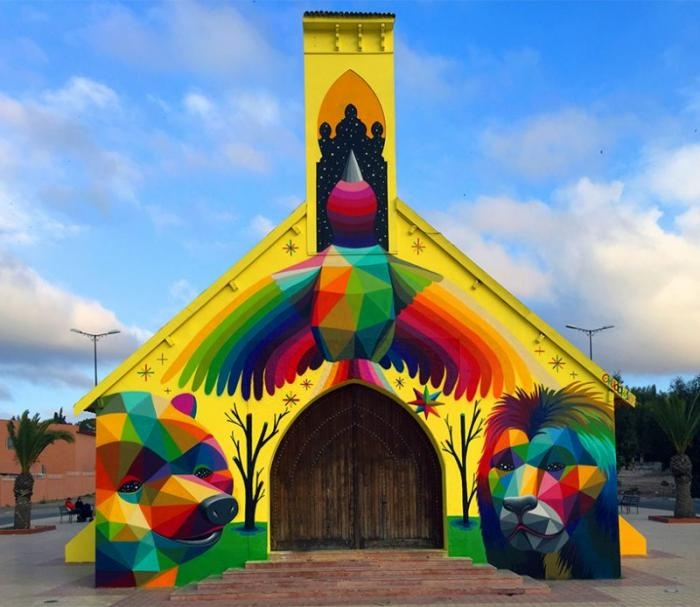В Марокко художник раскрасил заброшенную церковь
