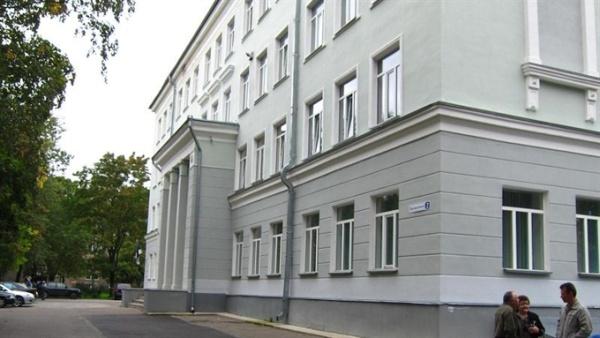 Директора Кренгольмской гимназии Геннадия Быкова уволили