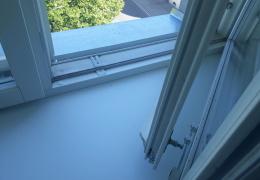 В Силламяэ пьяный пожилой мужчина вытолкнул из окна своего брата