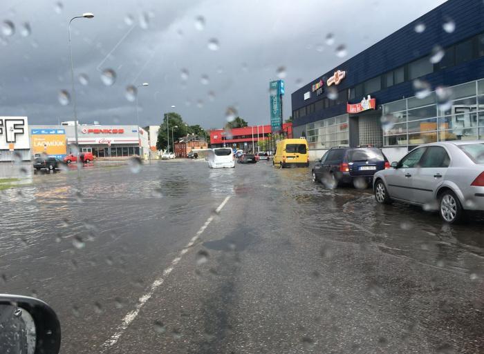 Лето, ах лето: власти Таллинна потребуют объяснений от Tallinna Vesi по поводу воскресного «потопа»