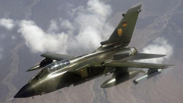 Германия готова отправить самолеты и фрегат на борьбу с ИГ