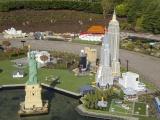В тематическом парке из 40 миллионов деталей Lego собрали достопримечательности со всего мира