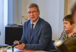Александр Ефимов поставил на место Языковую инспекцию: у нее нет права проверять горсобрание