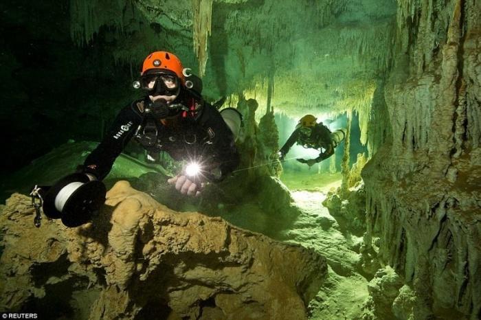 В Мексике нашли самую большую подводную пещеру в мире
