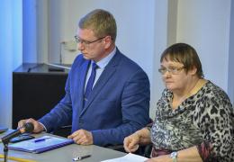 Видные нарвские центристы вышли из партии - среди них Воронов, Ефимов и Оленина