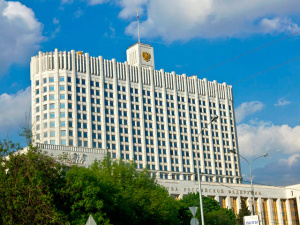РФ может ввести запрет на импорт промышленных товаров из США и ЕС, утверждают источники