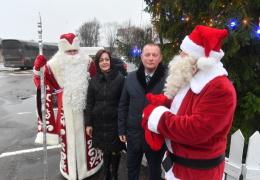 Встреча Деда Мороза и Санта Клауса в Нарве. Репортаж от NoorTV.