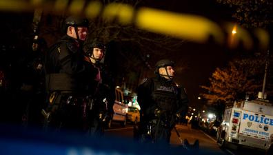 В США опубликовано ВИДЕО, в котором полицейский обстреливает автомобиль с шестью подростками-афроамериканцами