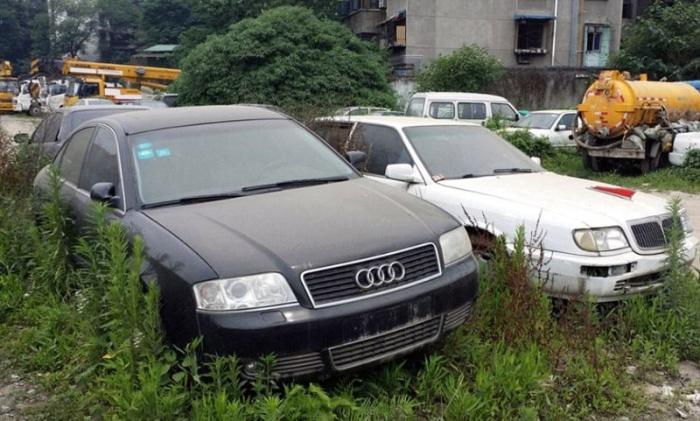 Парковка, где криминалитет и богачи бросают свои тачки