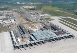 В Берлине уже 14 лет не могут достроить аэропорт