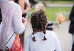 Вопрос об увеличении пособия первоклассникам в Нарвском горсобрании перенесли