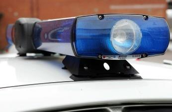 В Нарве на пешеходном переходе автомобиль сбил пожилую женщину