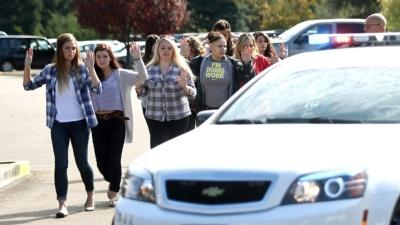 Двое ранены и один человек погиб в результате стрельбы в университете Теннесси