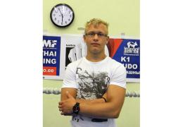 Чемпион по тайскому боксу мечтает воспитывать смену