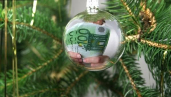 Нарвские власти не могут разобраться с рождественской елкой