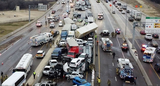 В Техасе из-за гололеда столкнулось 133 машины