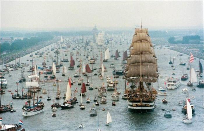 Sail Amsterdam 2015 — самый большой парад судов