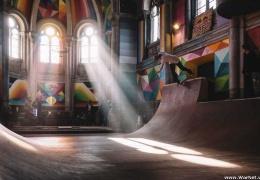 Скейтеры вдохнули вторую жизнь в старое здание церкви