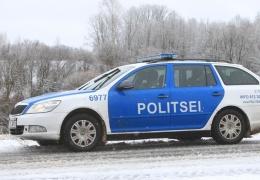 На шоссе Нарва-Таллинн с дороги вылетел грузовик, движение нарушено