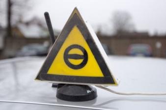«Проблема раздута»: Департамент шоссейных дорог не видит ни одной причины проводить экзамены по вождению в Нарве