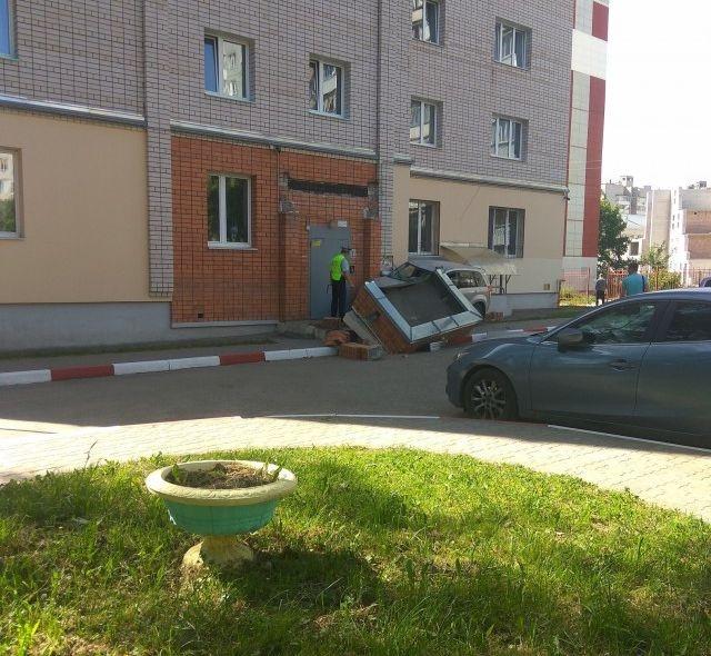 Не совсем обычная авария в Смоленске