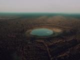 На месте падения гигантского метеорита под Тверью образовалось идеально круглое озеро