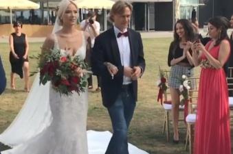 В Нарва-Йыэсуу прошла свадебная церемония дочери Валерия Карпина