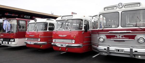Старинные автобусы в Нарве