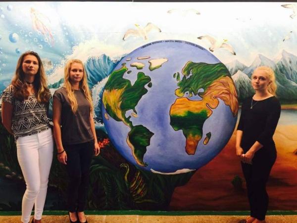 Фреска в школьном пространстве Нарвской Пяхклимяэской гимназии