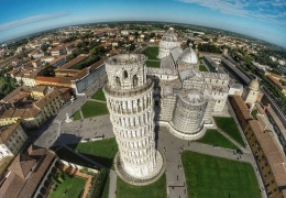 Что находится внутри Пизанской башни и почему она не падает на самом деле