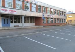 Маклер: в Нарве молодежь покупает коммерческие площади для жилья