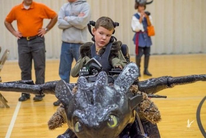 Роскошные костюмы к Хэллоуину для детей-инвалидов