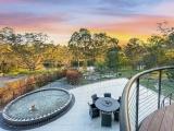 В Австралии продают дом-пузырь - хозяин 7 лет строил его своими руками