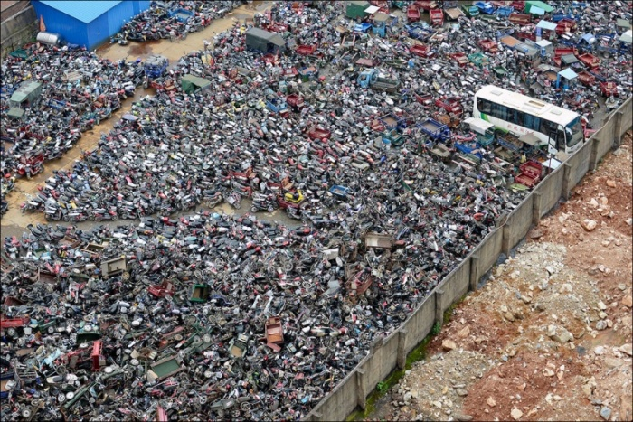 Свалка автомобилей в Китае