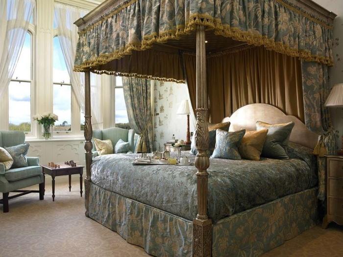 Замок — отель Дромоленд