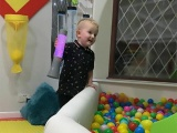 Отец превратил гостиную в игровую для сына