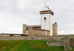 Минкульт нашел выход из патовой ситуации в Нарвском музее: решающий голос будет у государства