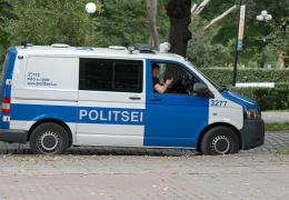 В Нарве прошел полицейский рейд: выявляли разговаривающих по телефону за рулем