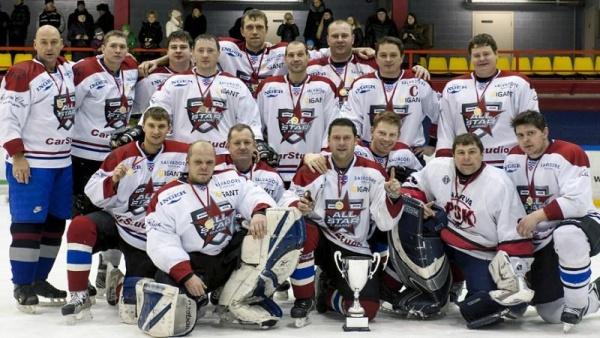 Нарвская команда Stars взяла первое место на любительском турнире по хоккею