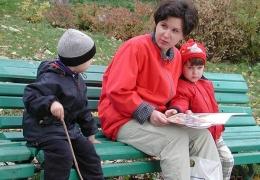 Безработная мать-одиночка за считанные недели потратила более ста тысяч фунтов по ошибке попавших на ее банковский счет