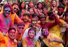 Ежегодный индуистский фестиваль весны Холи