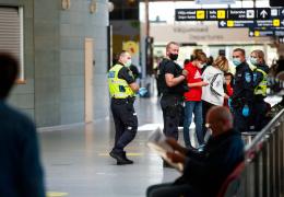 МИД Эстонии порекомендовал избегать любых поездок за границу