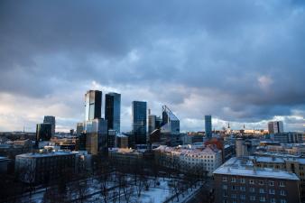 Принят бюджет Таллинна на будущий год: на ремонт тротуаров и дорог выделят 8 млн евро