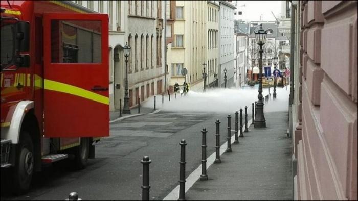 Белый «туман» в городе Майнц в Германии
