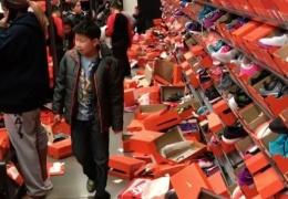 Обувной магазин в Сиэтле после черной пятницы