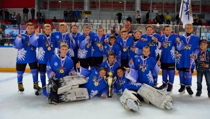 """Юные хоккеисты из Нарвы были лучшими на международном турнире """"Осенний кубок 2015"""""""