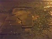 На Камчатке одну из самых оживленных трасс залатали фанерой и болтами