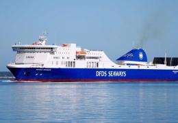 Горевший в Балтийском море паром дойдет до Литвы своим ходом, спасательная операция отменена